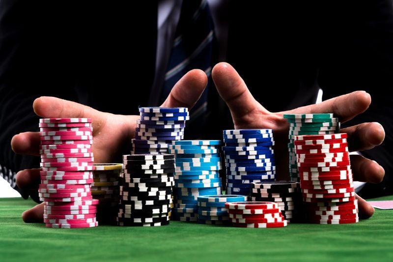 huong-dan-cach-choi-game-poker-doi-thuong
